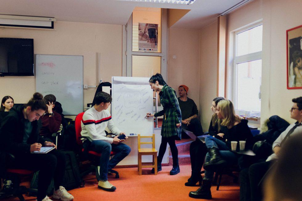 Inclusive Schools en Roumanie: comment créer une génération des ambassadeurs.drices de l'éducation inclusive